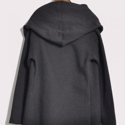 The new cloak type winter hooded lo..
